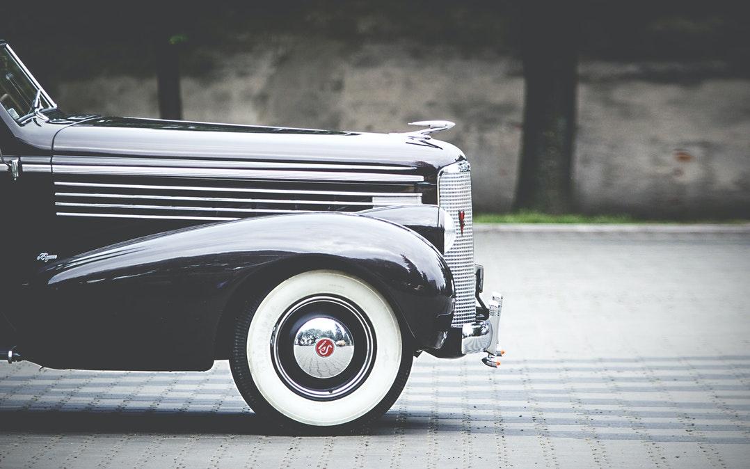 20 cadeaux pour les hommes qui aiment les voitures classiques | Le blog @ TheBroBasket.com 4